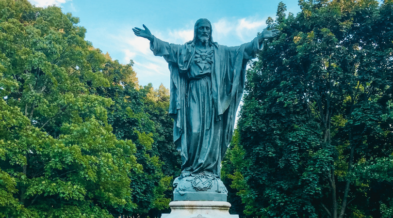 sacred sites of notre dame: sacred heart of jesus statue